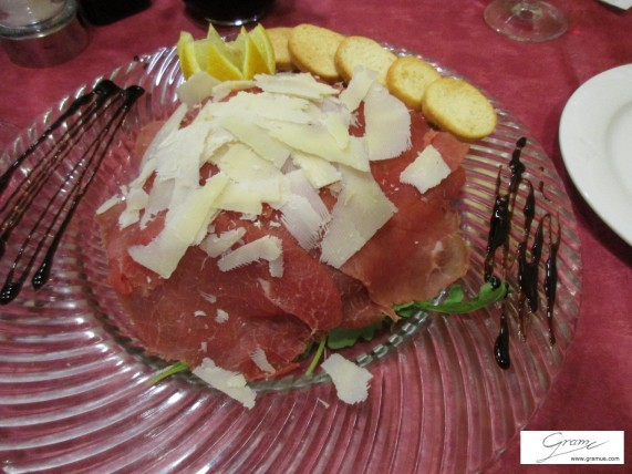 Carpaccio mit Parmigiano-Reggiano