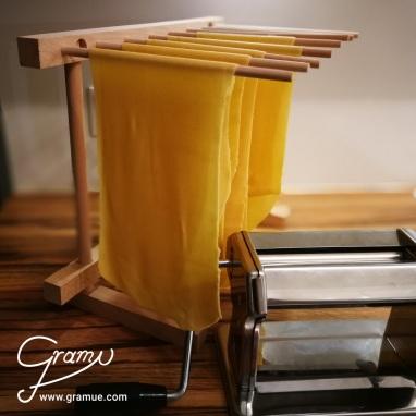 Lasagneblätter in Vorbereitung