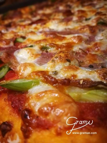 Spargelpizza alla Gramue