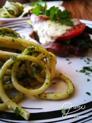 Bucatini con Pesto